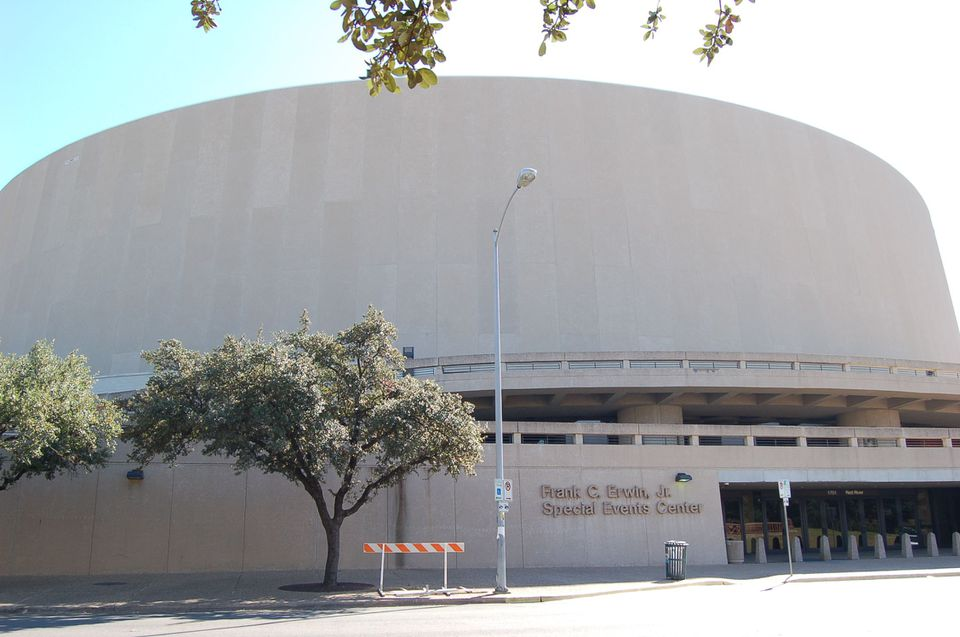 The Frank Erwin Center hosts major musicians, speakers, and sports events.