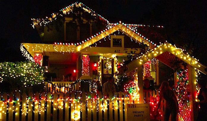 House decorated for Lights in the Heights