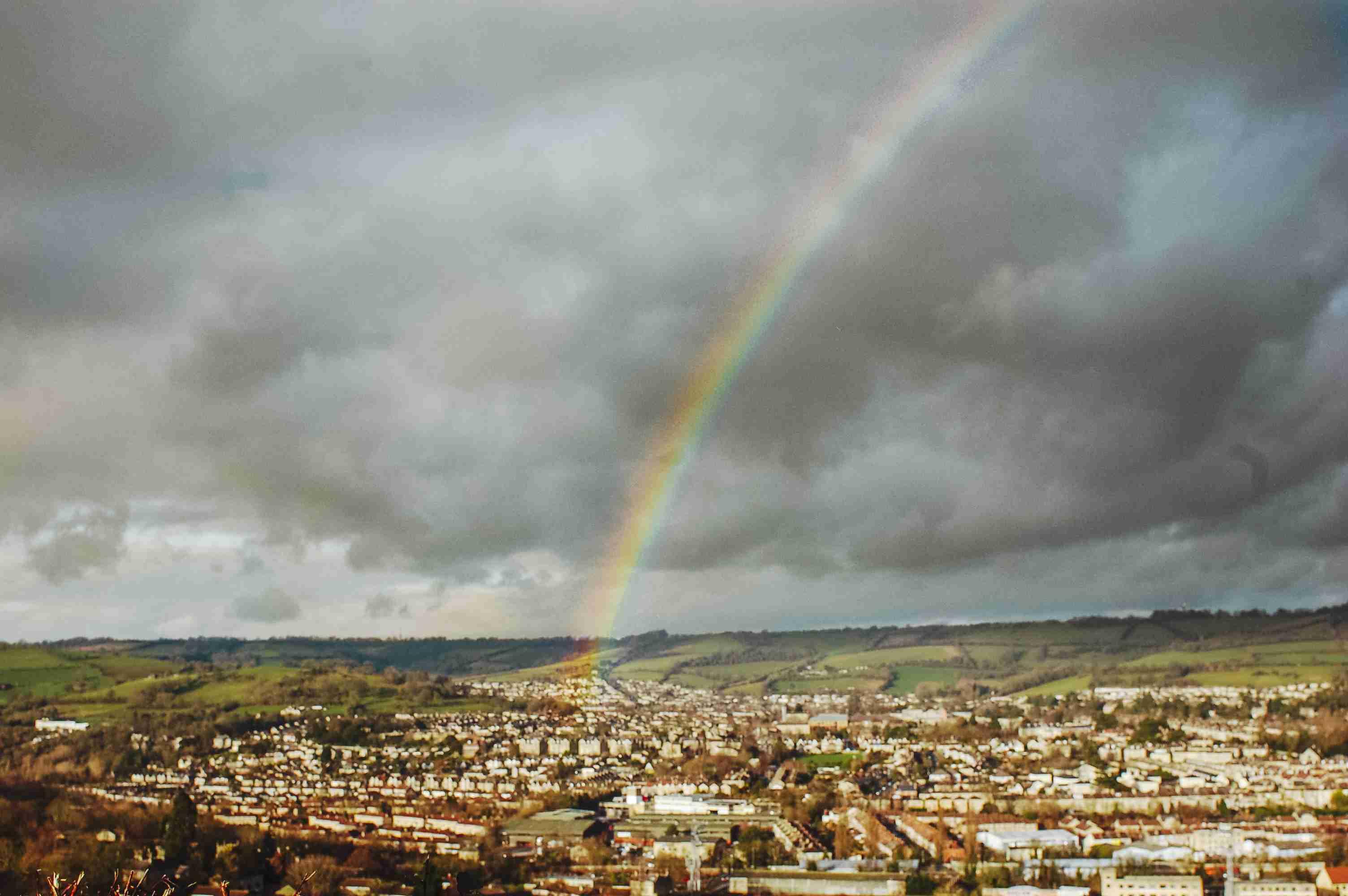Un arco iris que se arquea sobre Bath