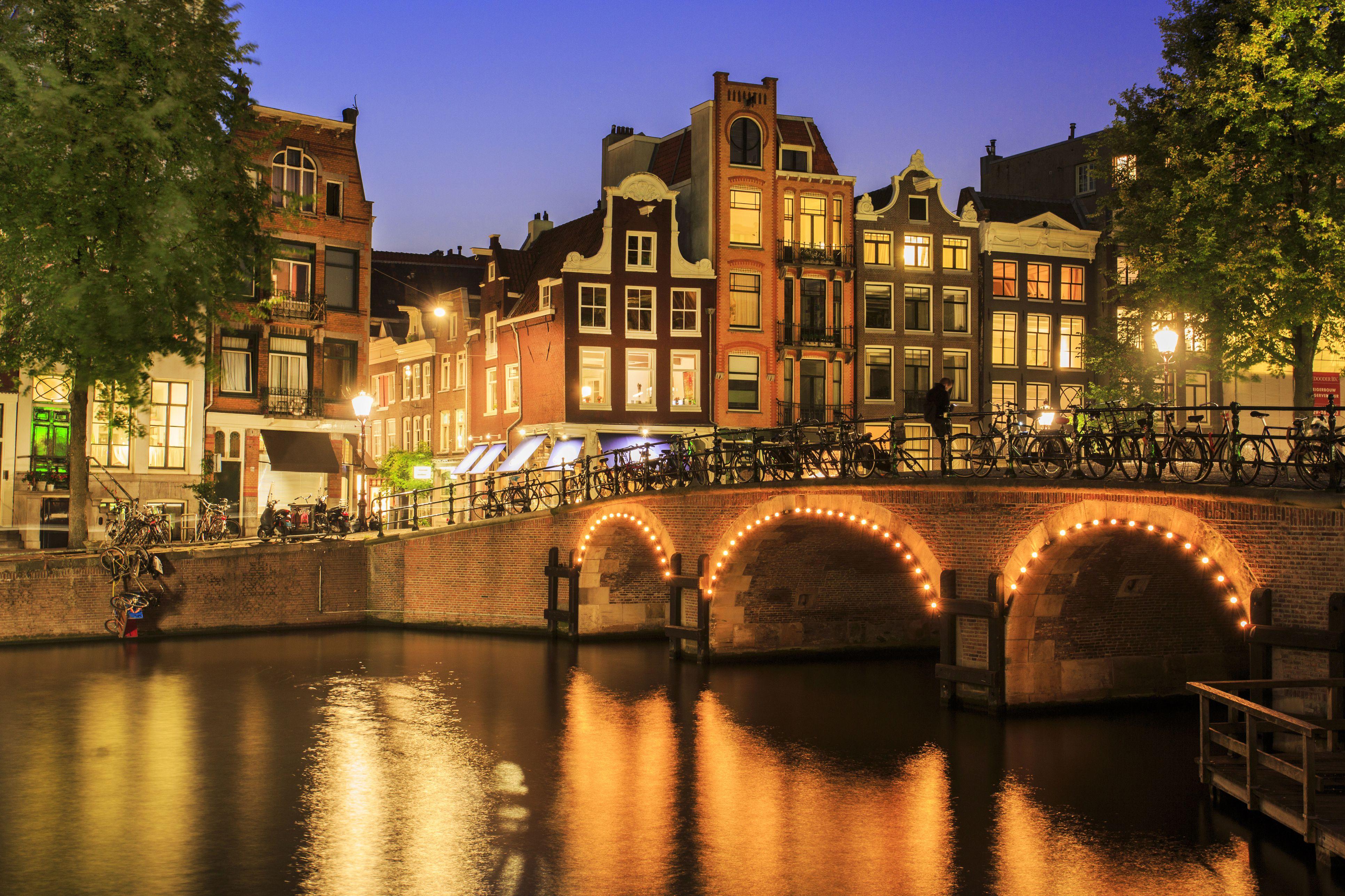 Getting The Check In Dutch Restaurants