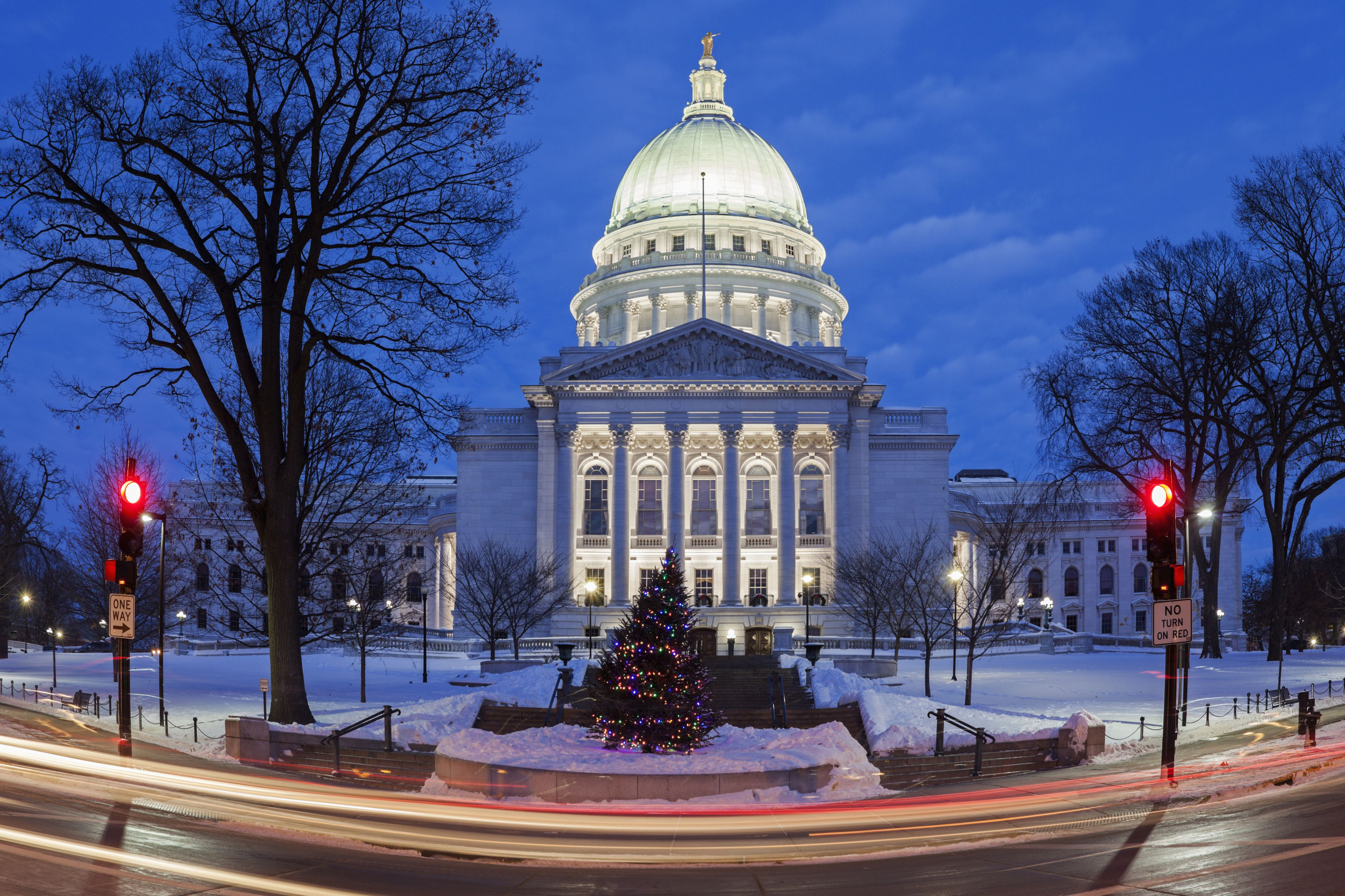 Madison Winter Festival Features Only >> Best Winter Festivals In The Us