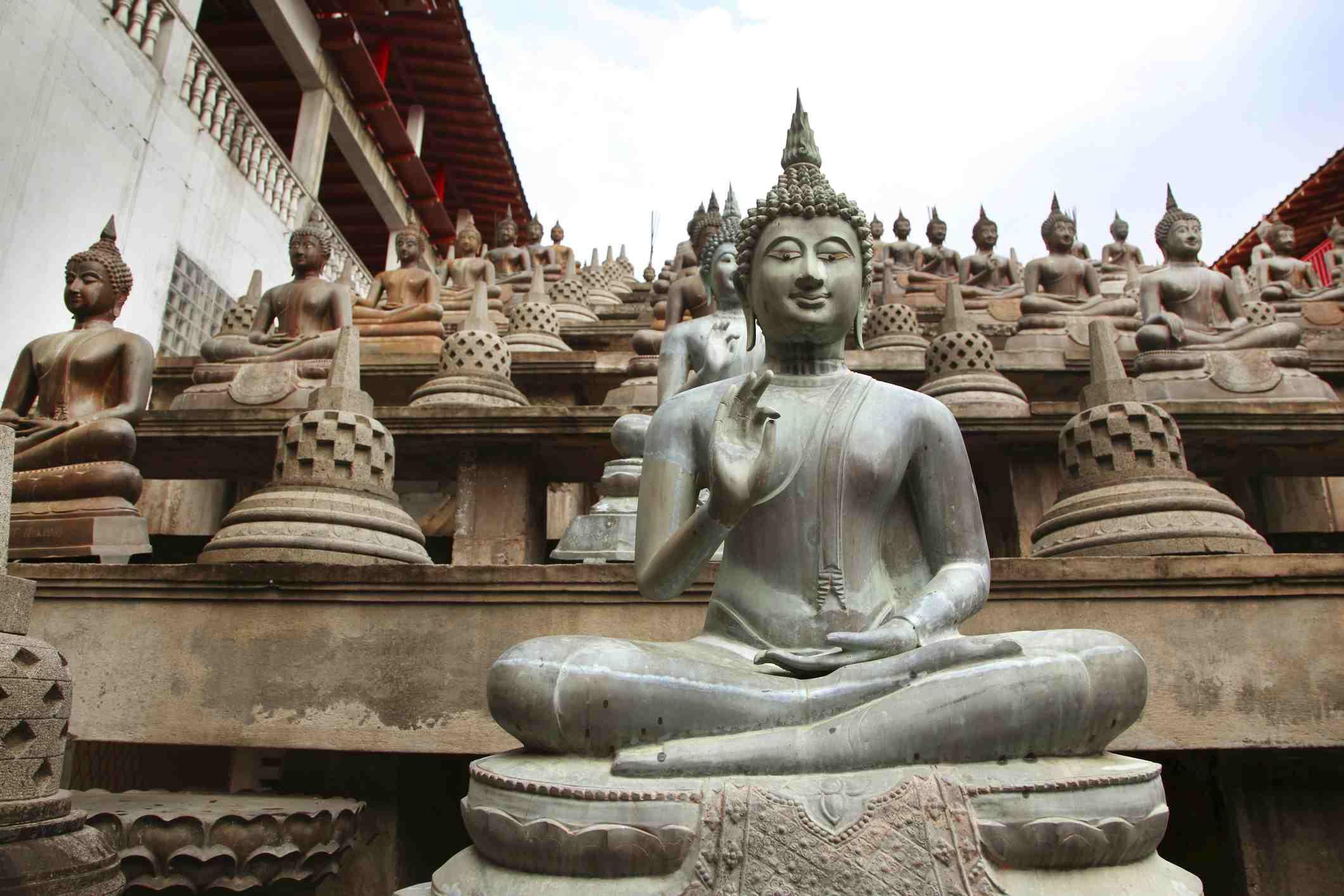 sri lanka buddhist temple - HD1400×933