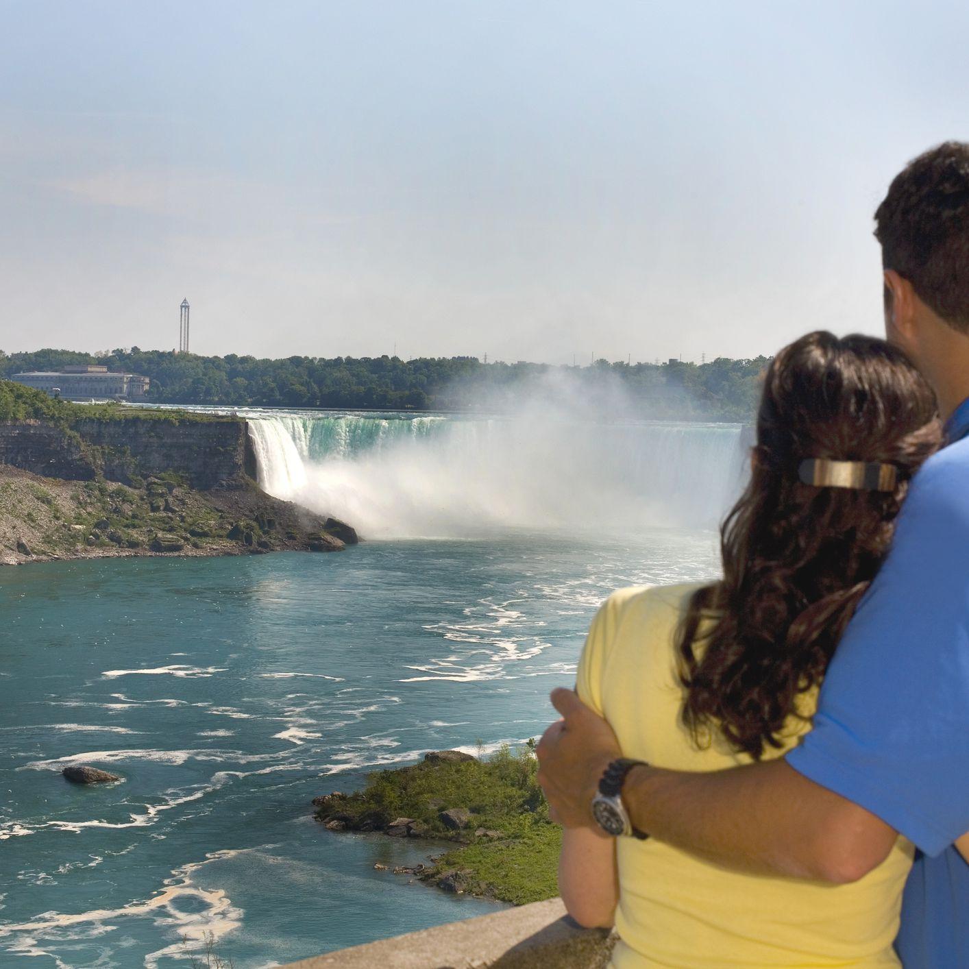 Niagara region dating jim carey dating