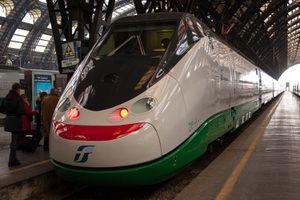 fast train picture