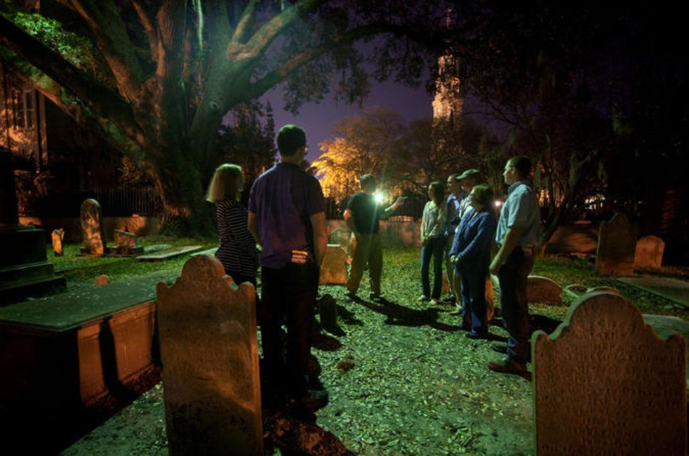 Ghost and Graveyard Tour in Charleston
