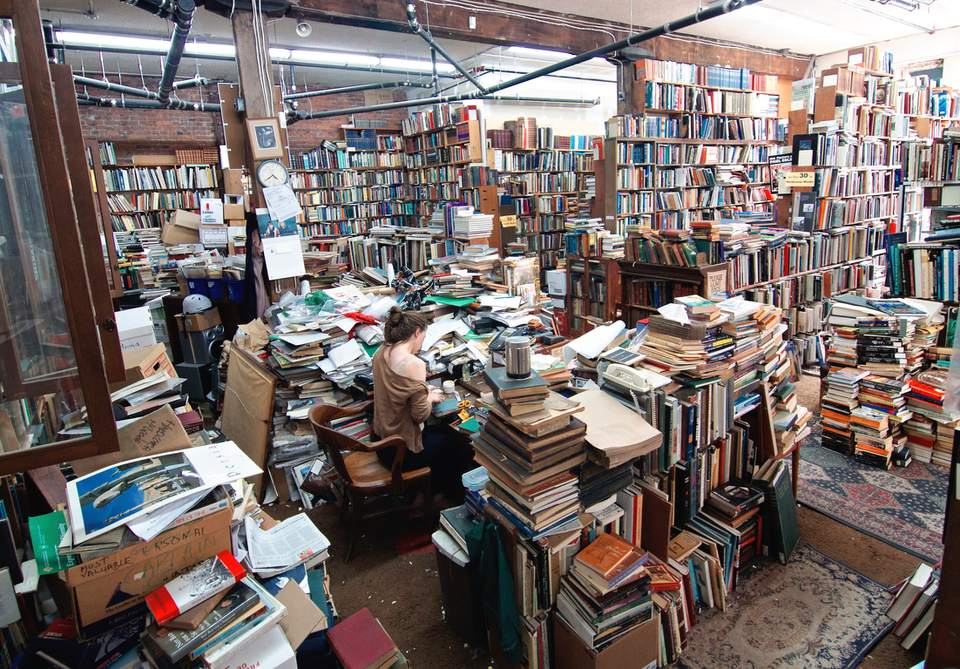 Vancouver book shops