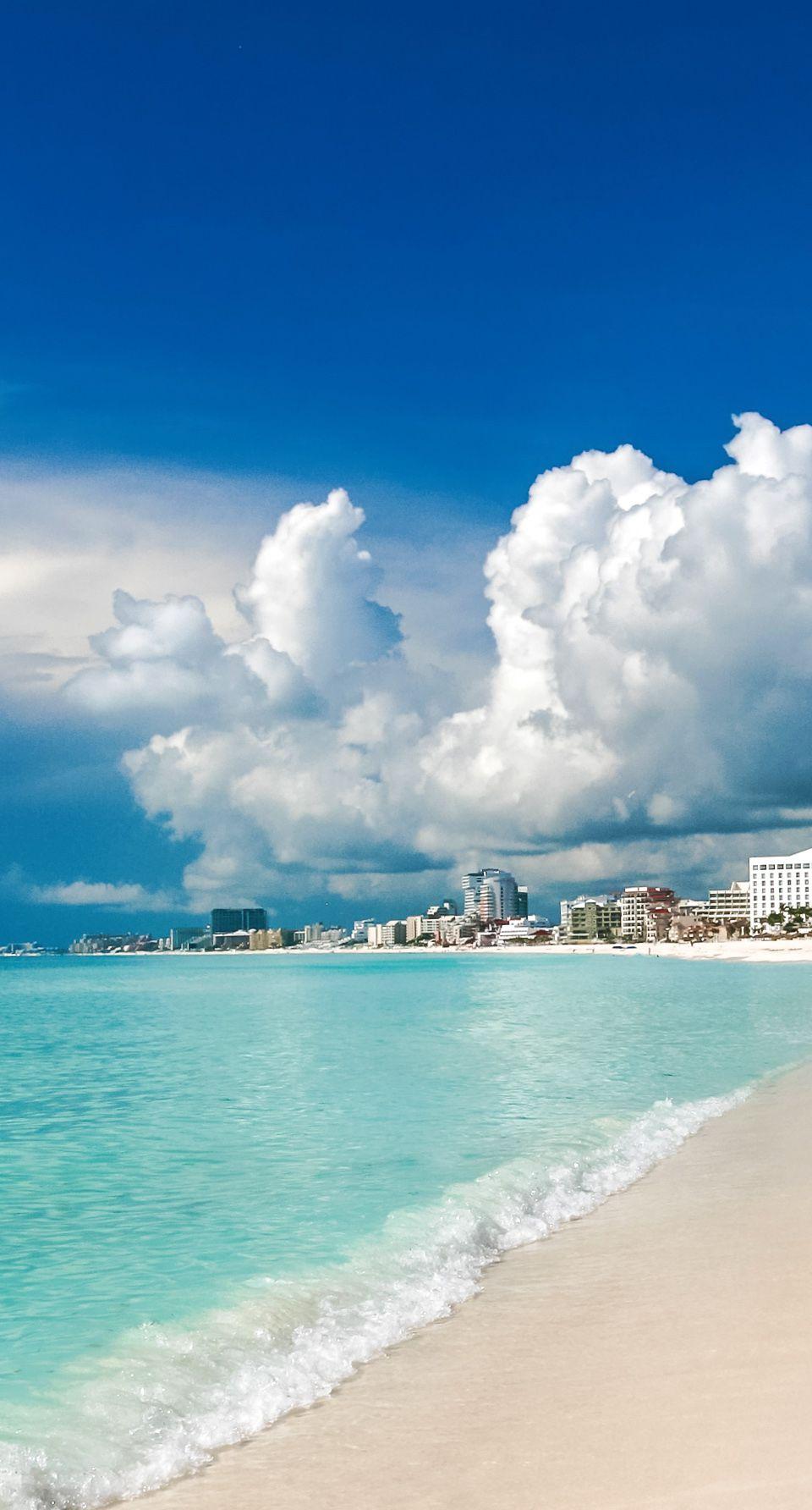 Idyllic beach at Cancun, Mexico