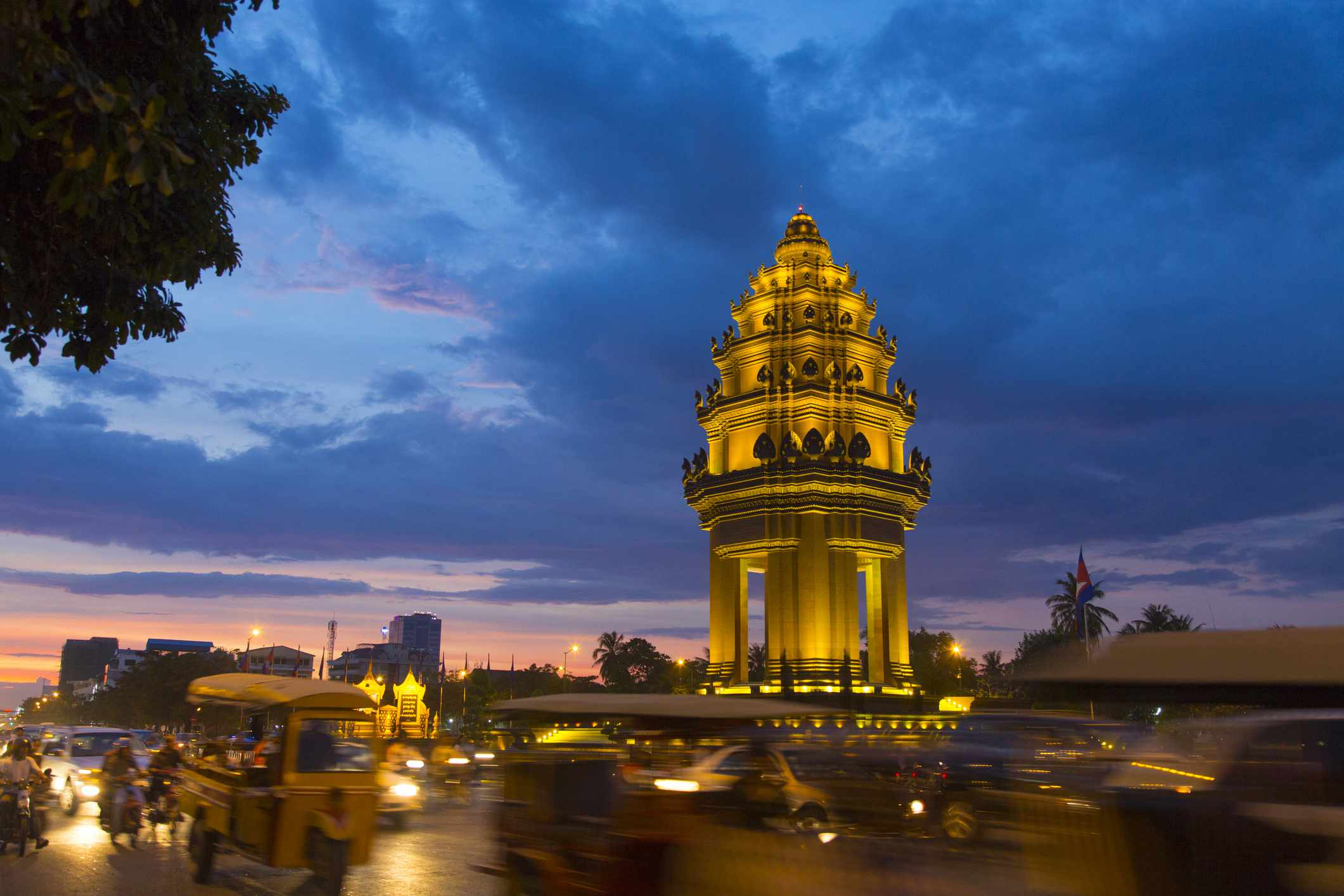Sunset over Independence Monument, Phnom Penh