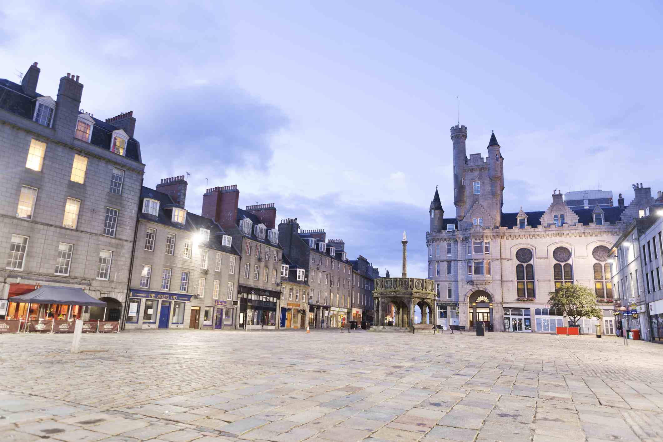 Castle Square al anochecer