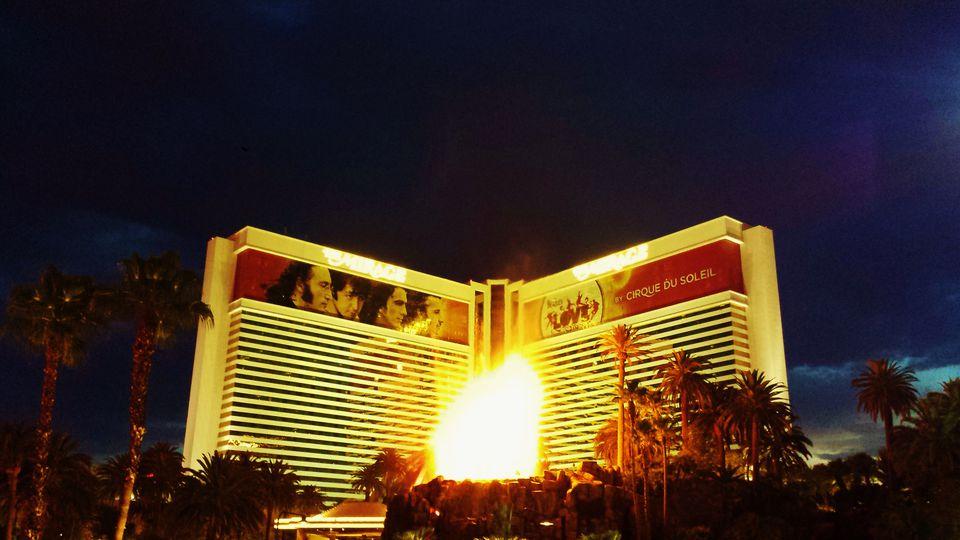 El Volcán frente a Mirage Las Vegas