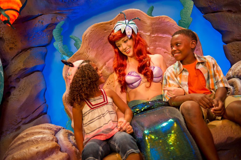 Ariel with two young kids