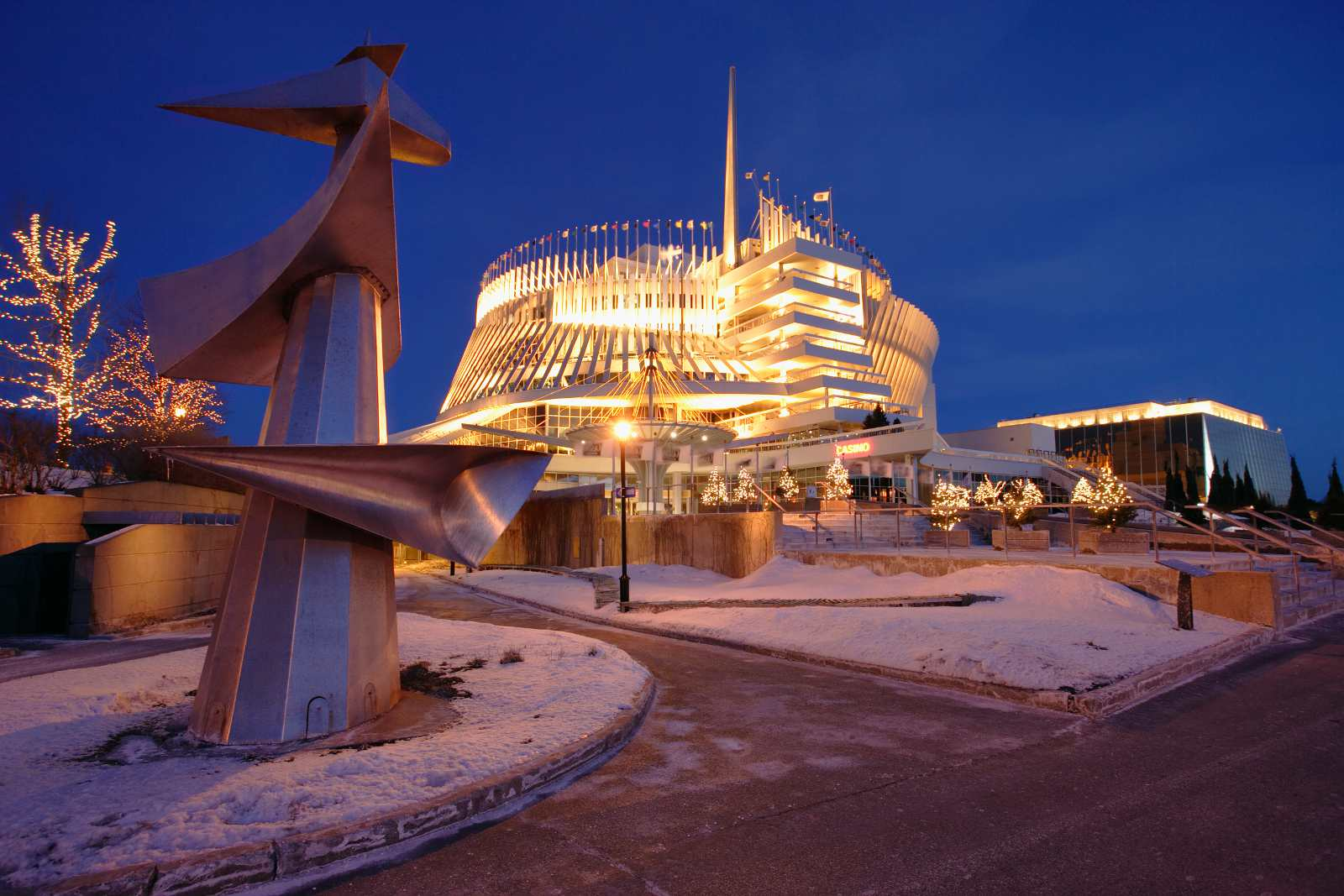 Montreal New Year's Eve 2016 events include checking out the Montreal Casino.