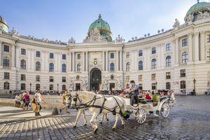 Vienna: Hofburg Palace, Michaelerplatz
