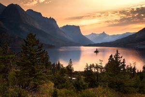 Wild Goose Island in Saint Mary's Lake in Glacier National Park at sunset.