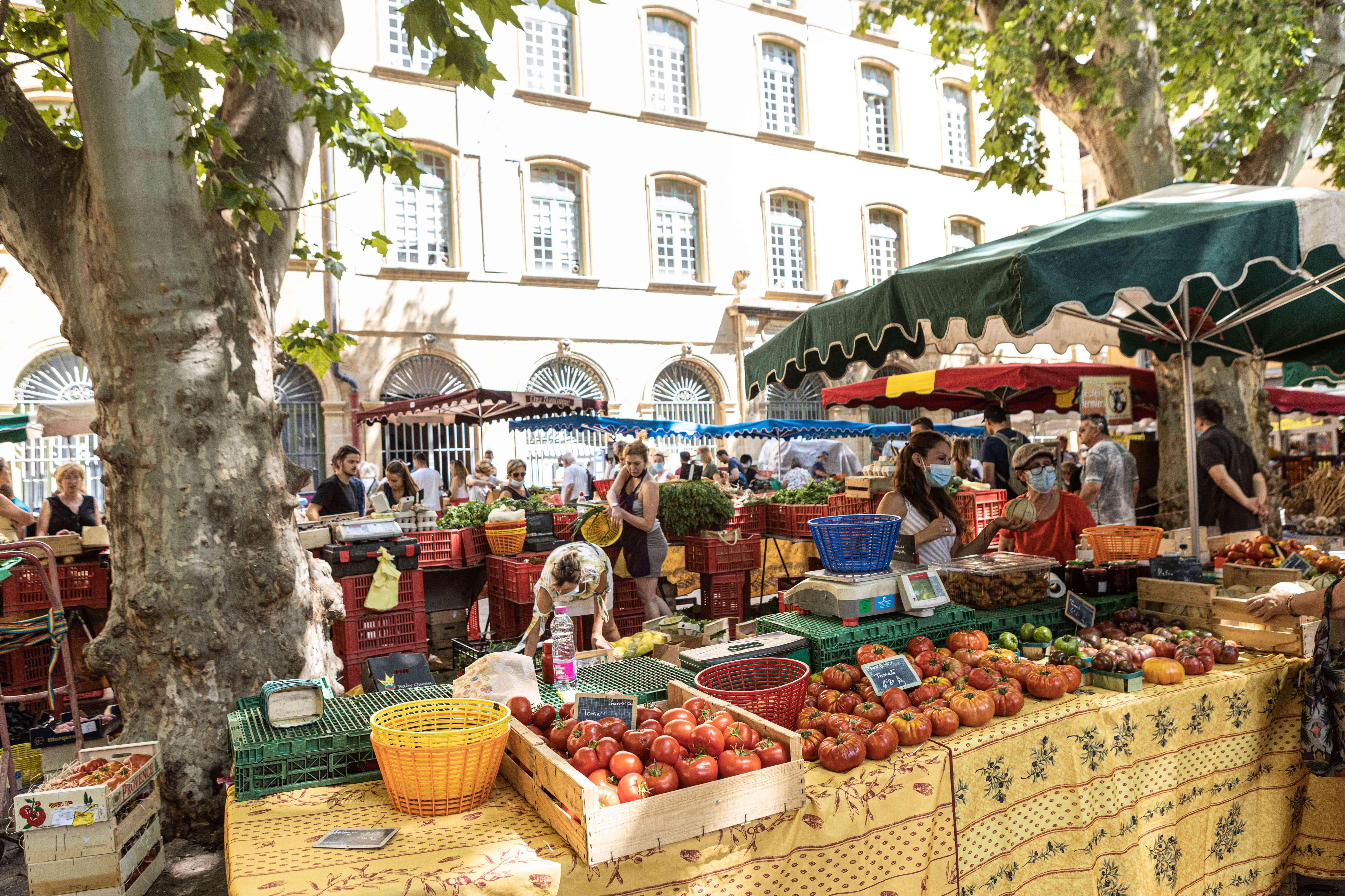 A lively market