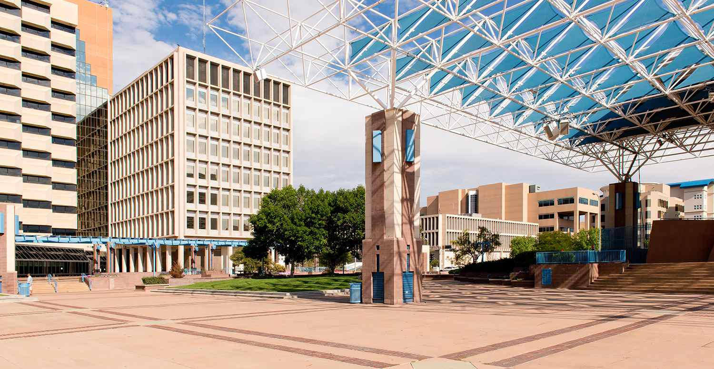 Una vista de Albuquerque, New Mexicos downtown Civic Plaza el 02 de septiembre de 2013