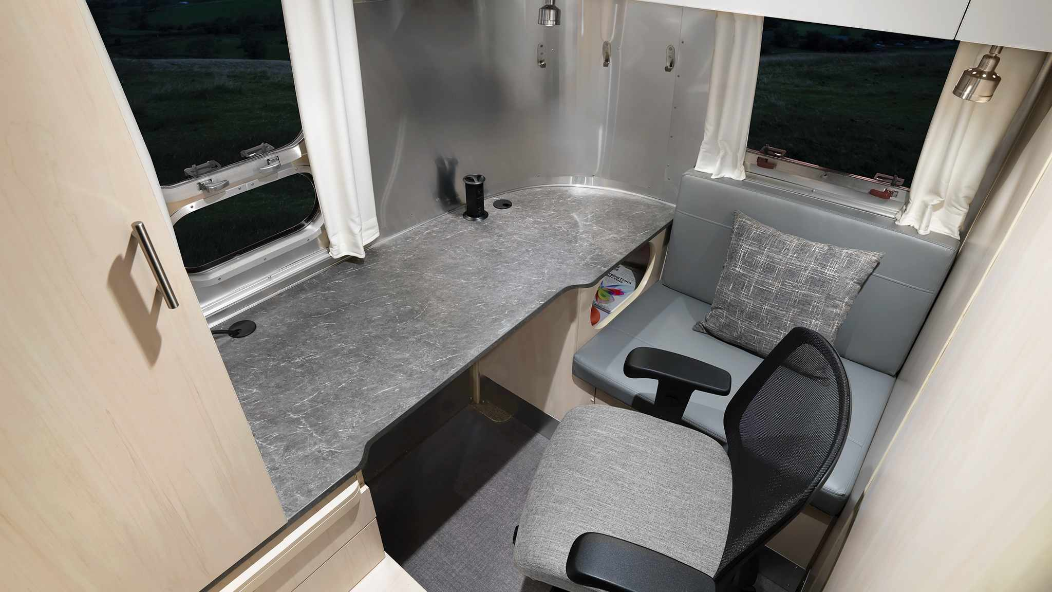 Airstream Flying Cloud 30FB office