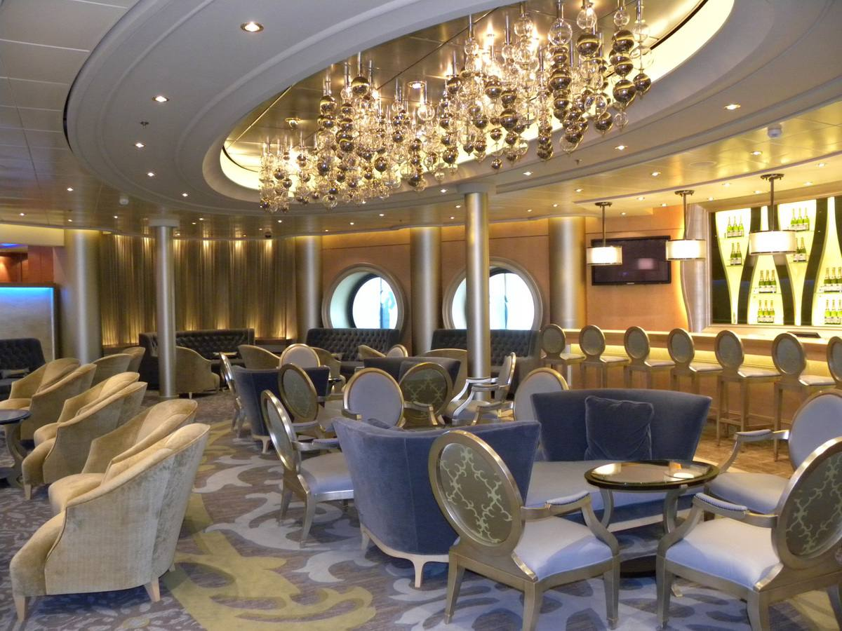Oasis of the Seas - Champagne Bar