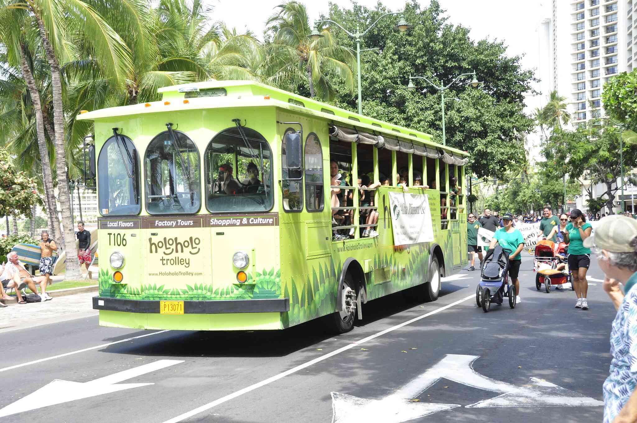 Waikiki Holiday Parade