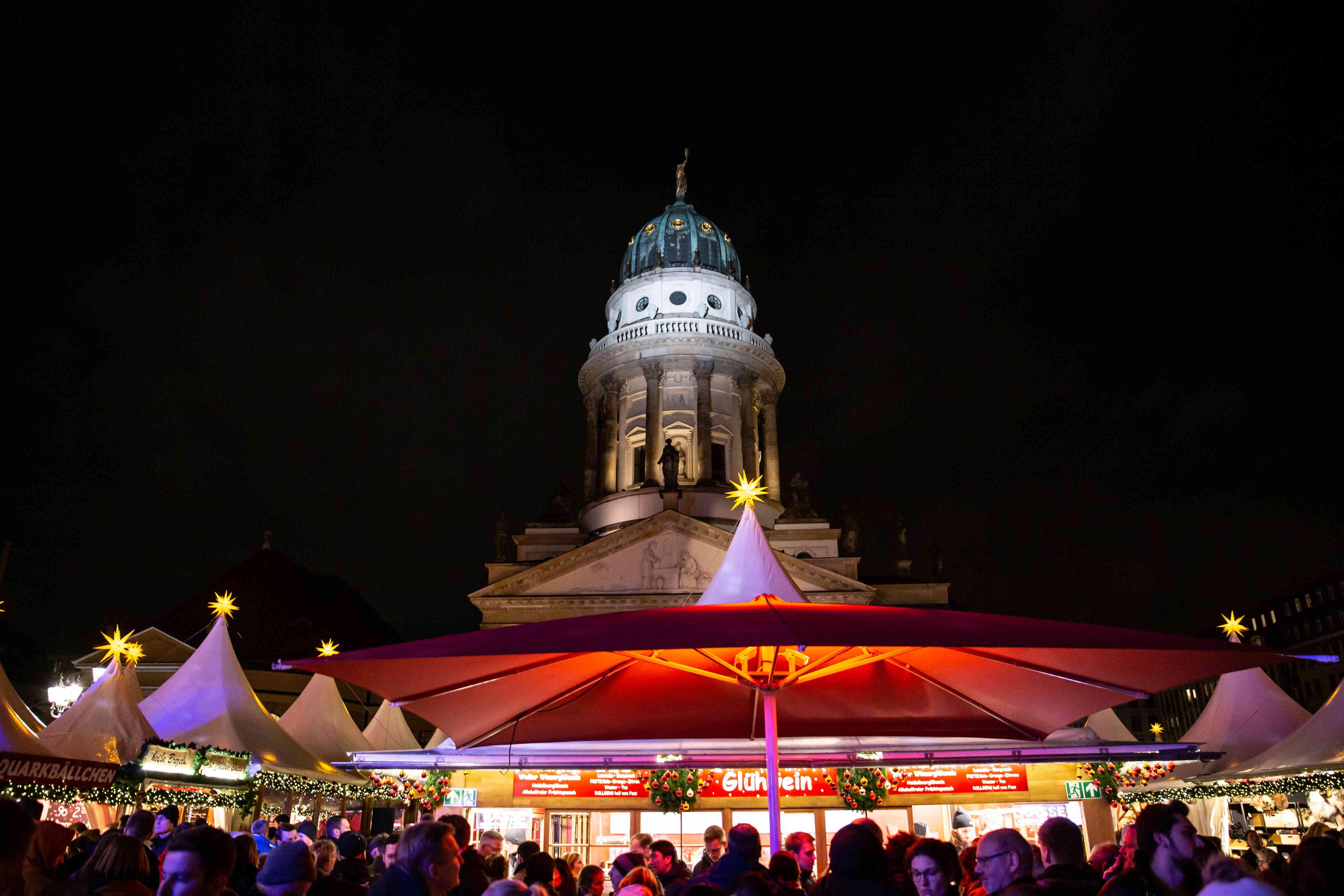 Gendarmenmarkt at night