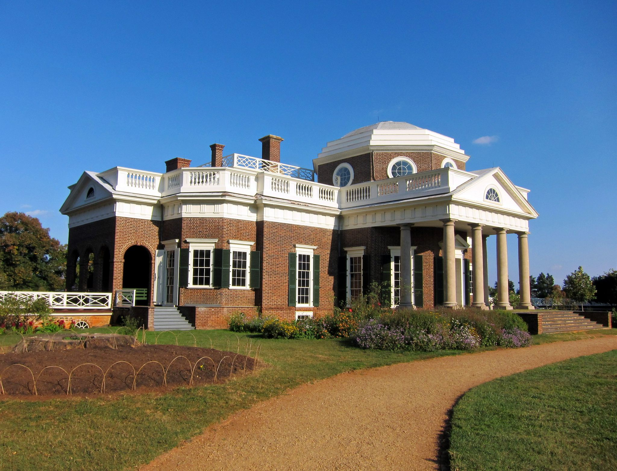 A Complete Guide to Monticello: The Historic Home of Thomas Jefferson