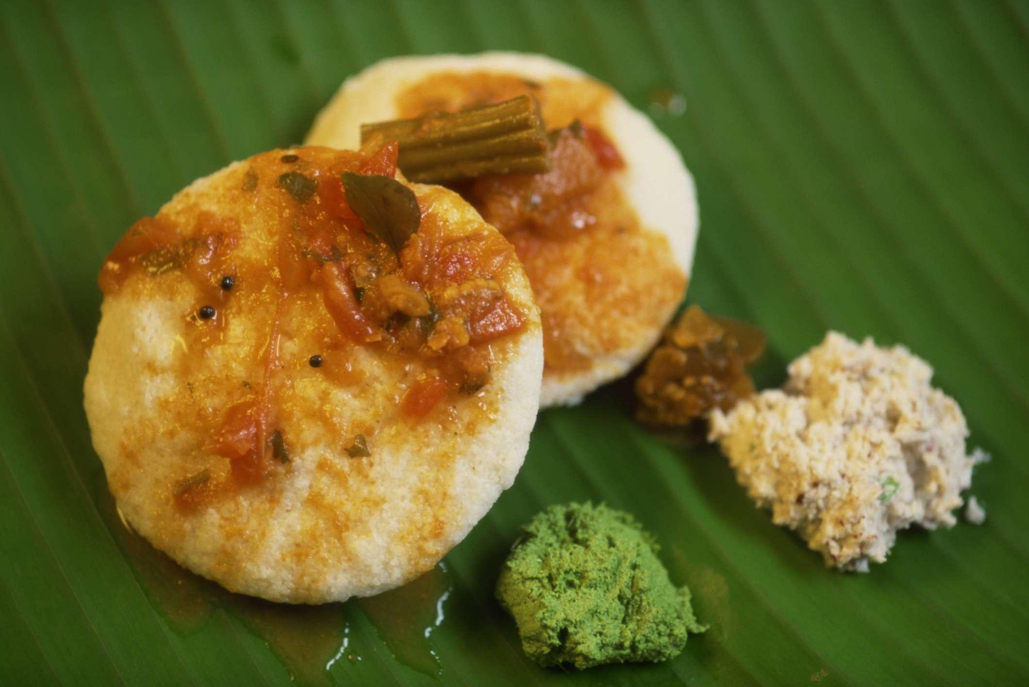Idli with sambar and chutney