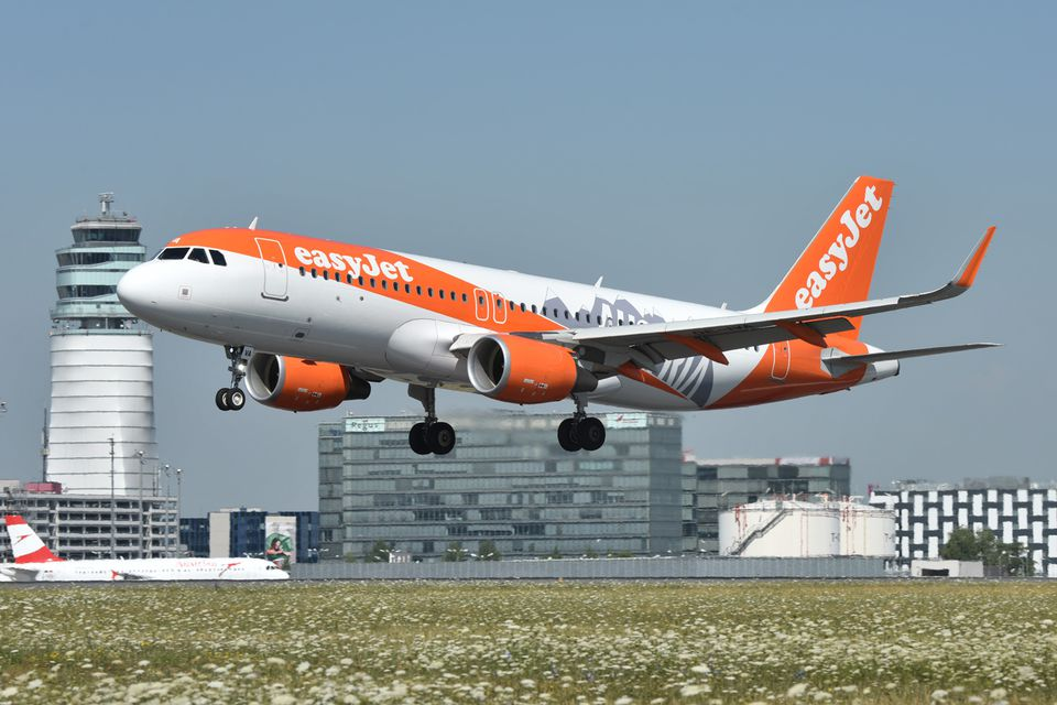 easyjet - photo #4