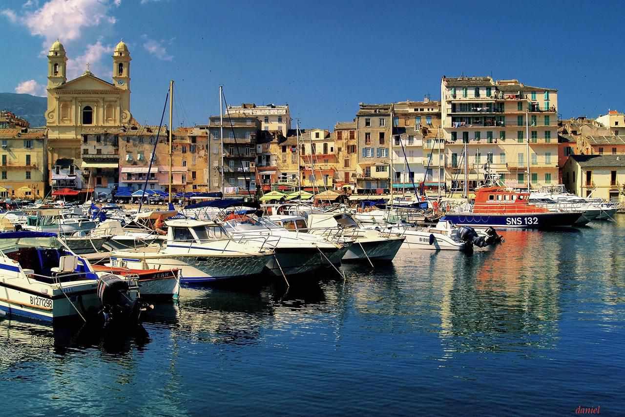 El viejo puerto de Bastia