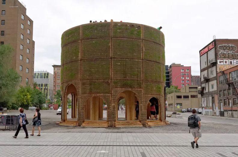 Quartier des spectacles' Îlot Clark in Montreal's entertainment district.