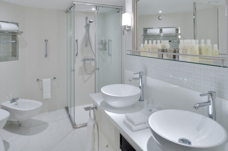 Crystal Symphony Penthouse Suite Bathroom