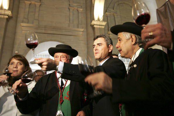 Wine Connoisseurs welcome the Beaujolais Nouveau Season