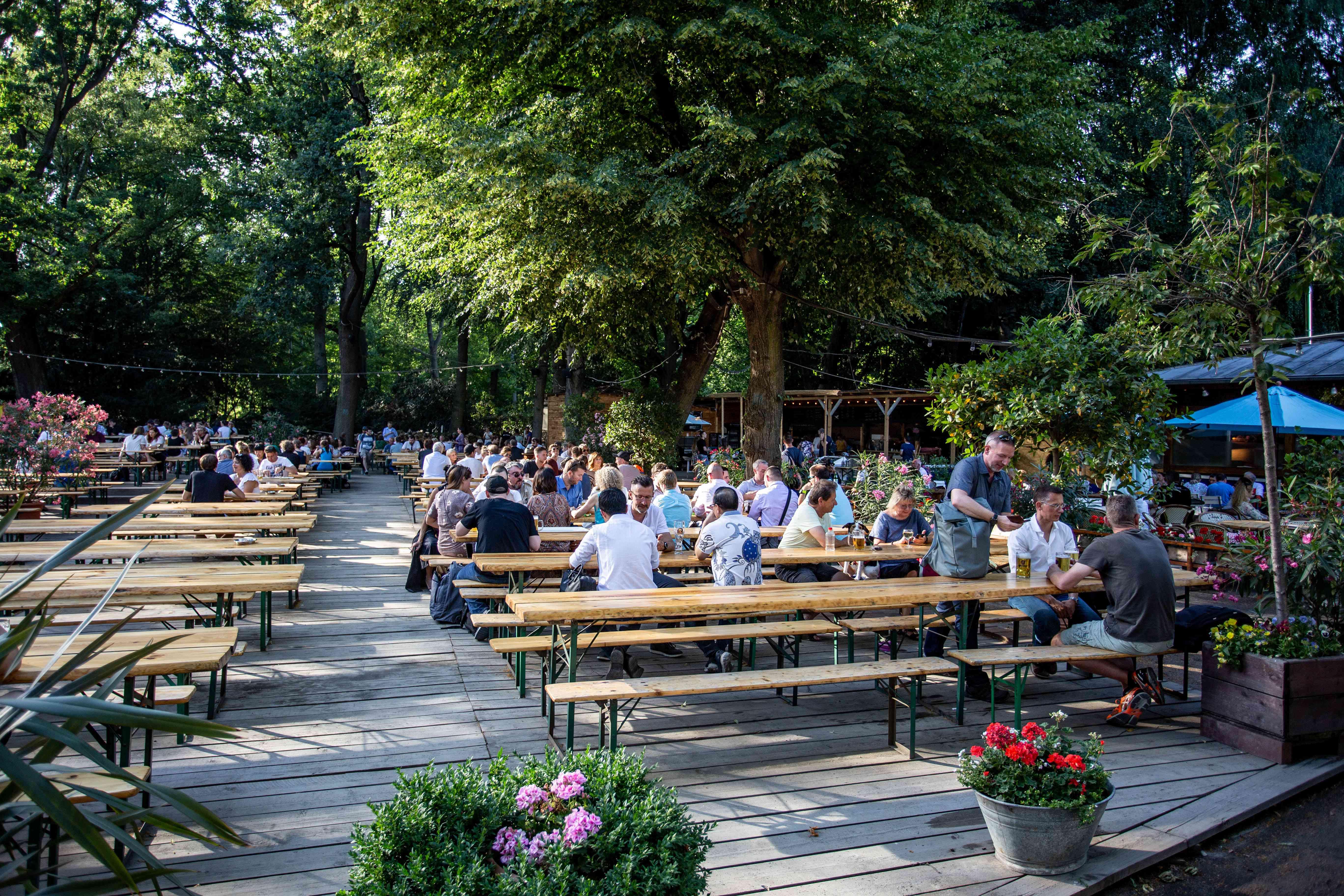 Beer garden Cafe Am Neuen See