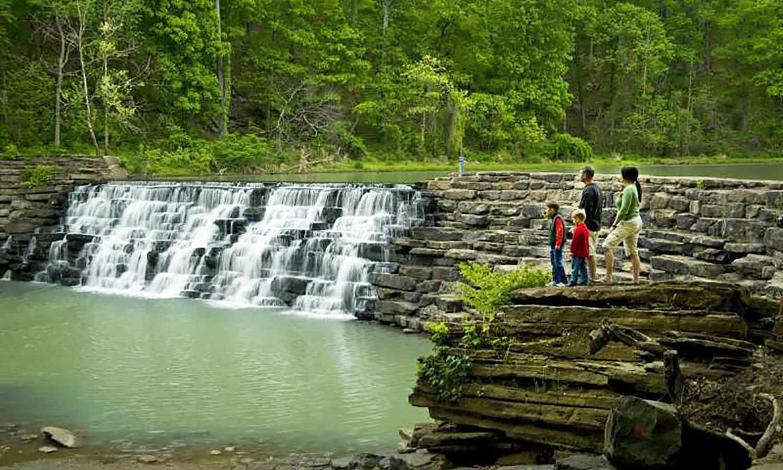 Devil's dam in Devil's Den State Park