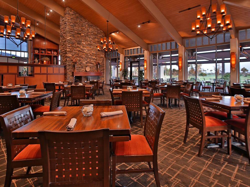 McCormick Ranch Golf Club restaurant interior
