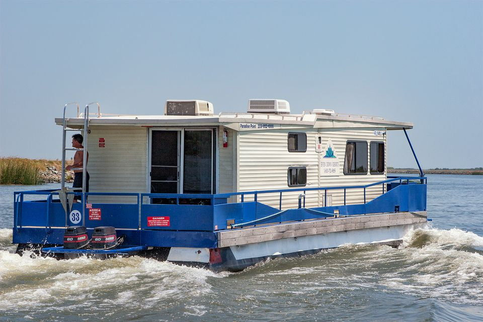 California Delta Houseboat