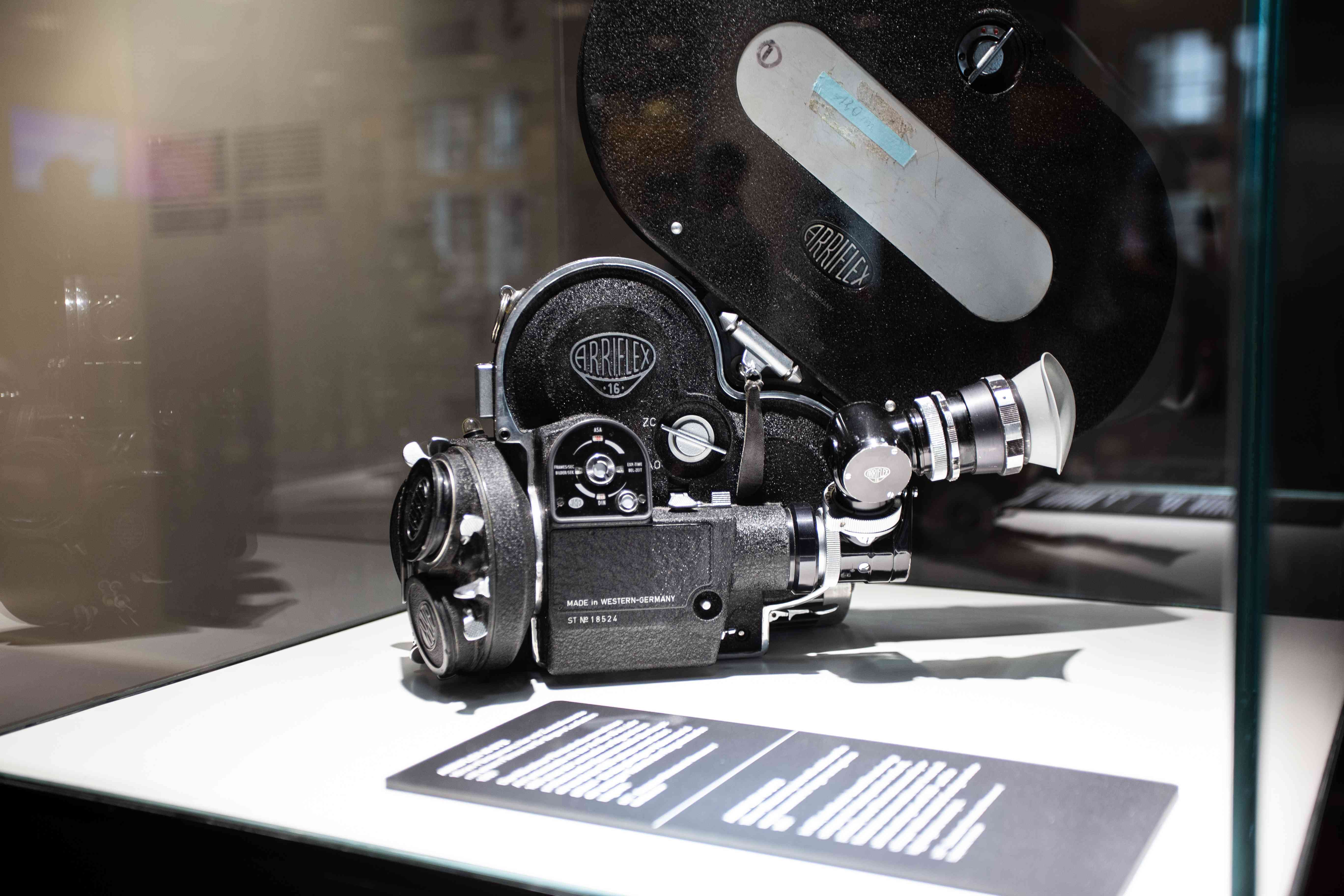 A vintage camera in the Deutsches FIlmmuseum