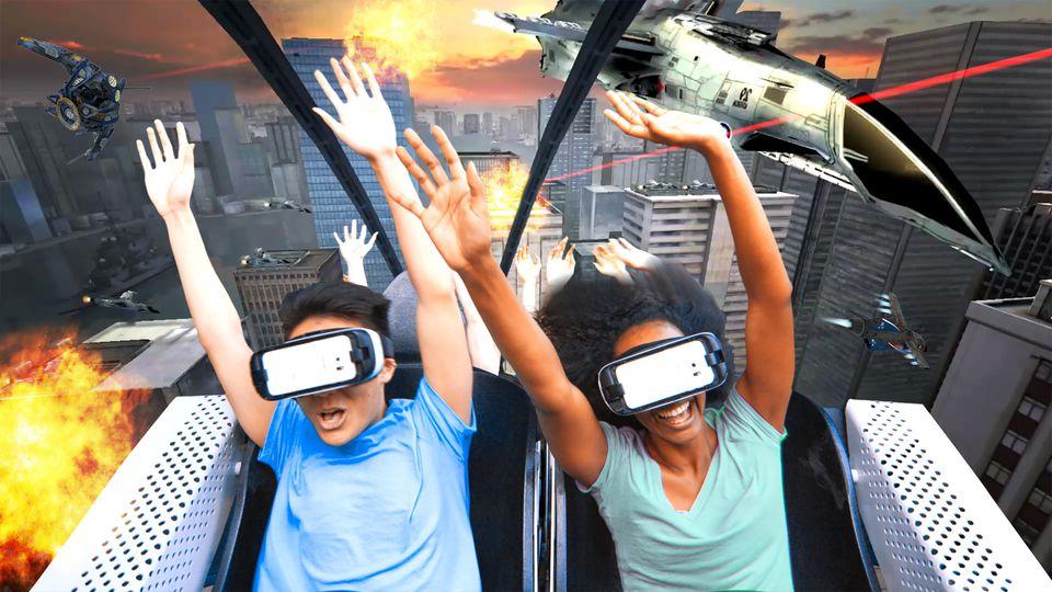 Montaña rusa de realidad virtual Six Flags