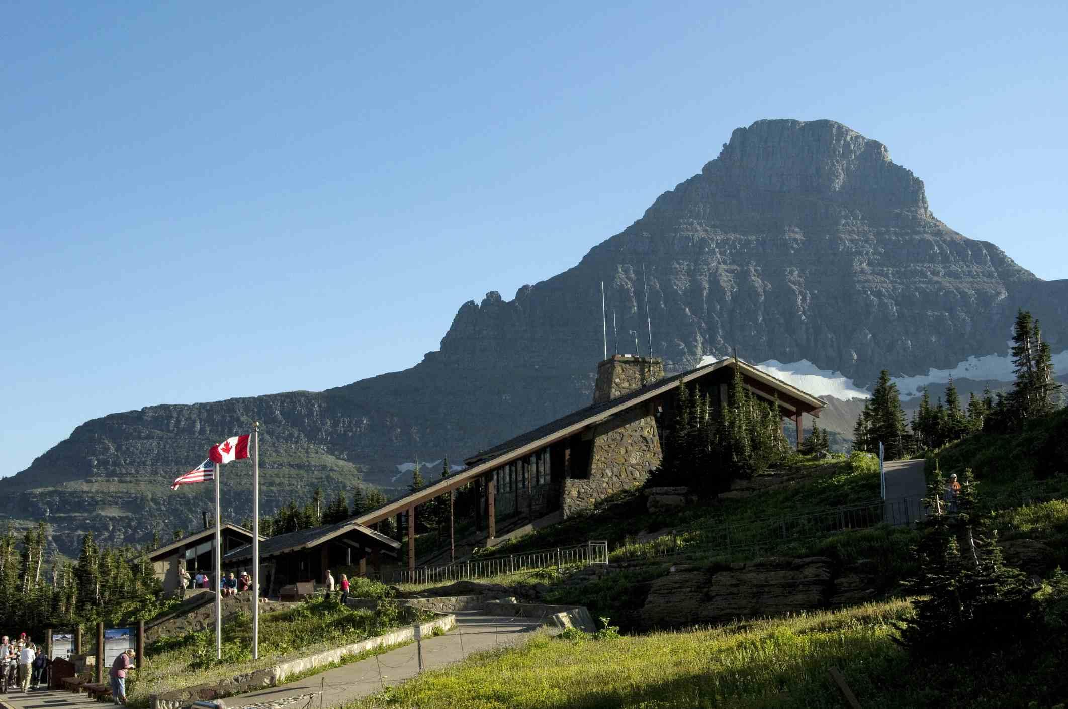 Visitor centre at Logan Pass, glacier national park