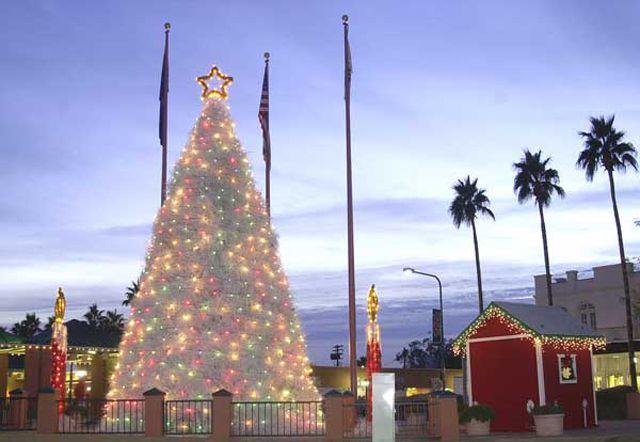 Chandler Tumbleweed Tree - Chandler, AZ Parade Of Lights, Tumbleweed Tree Lighting
