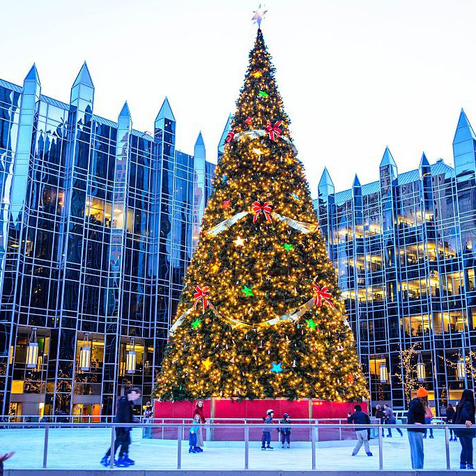 Old Economy Village Christmas 2021 The Best Spots For Christmas Cheer In Pittsburgh