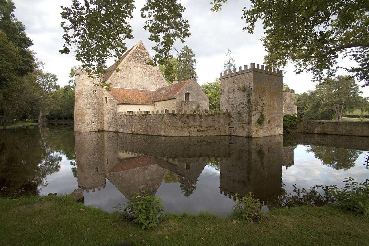 Chateau de Vault de Lugny, Burgundy