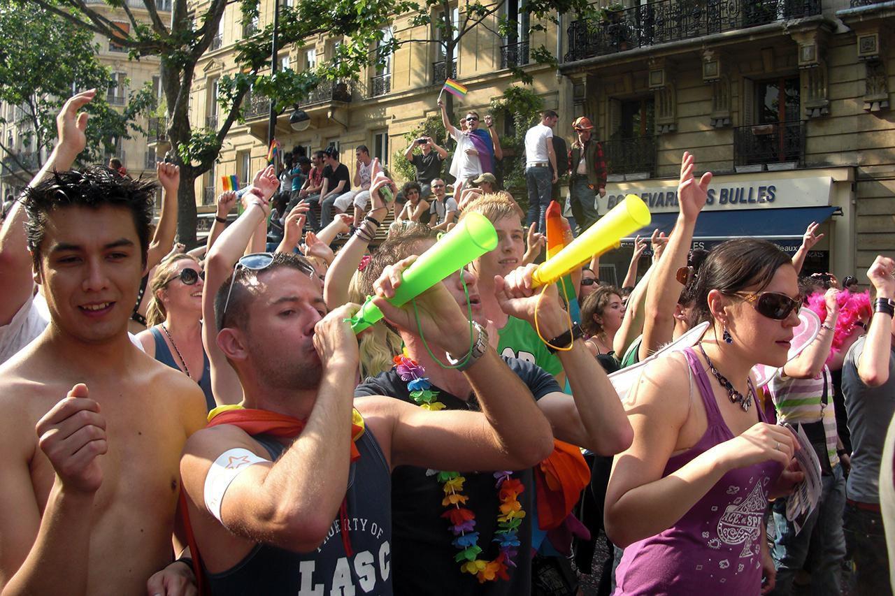 gay paris rencontre à Meaux