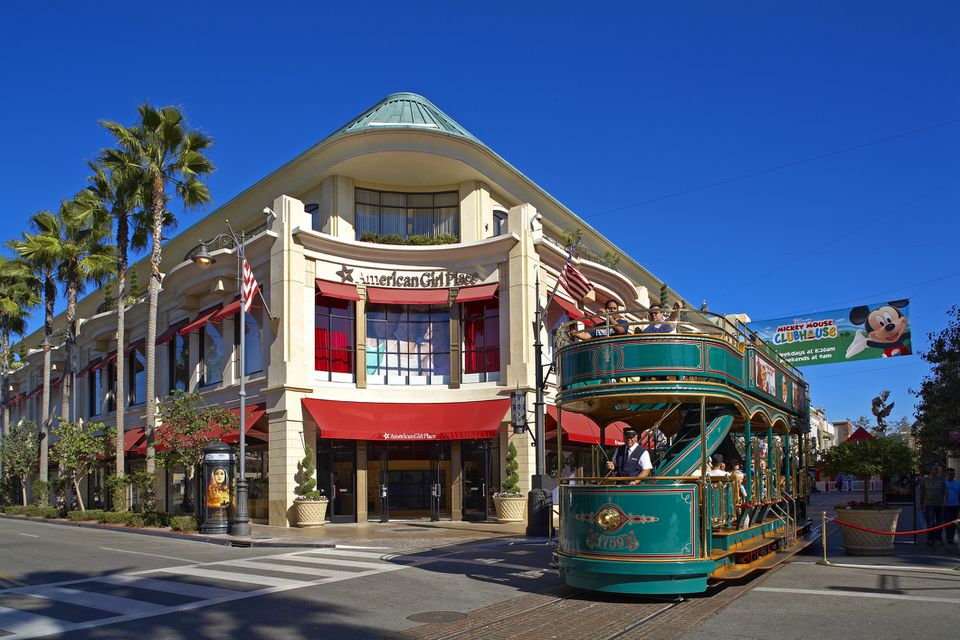 Beverly Hills, The Grove, shopping center and activities, with tourist trolley