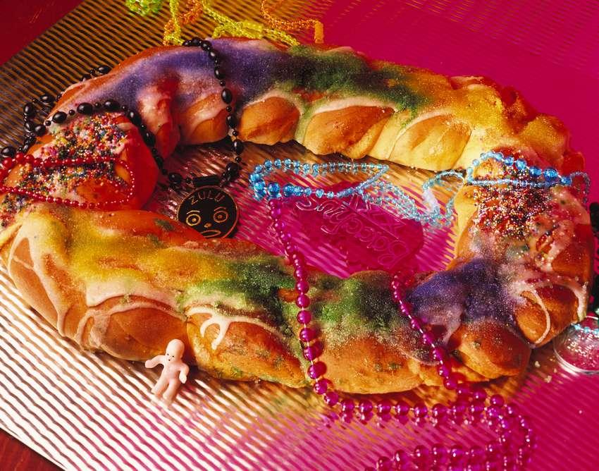 A Mardi Gras-themed cake.