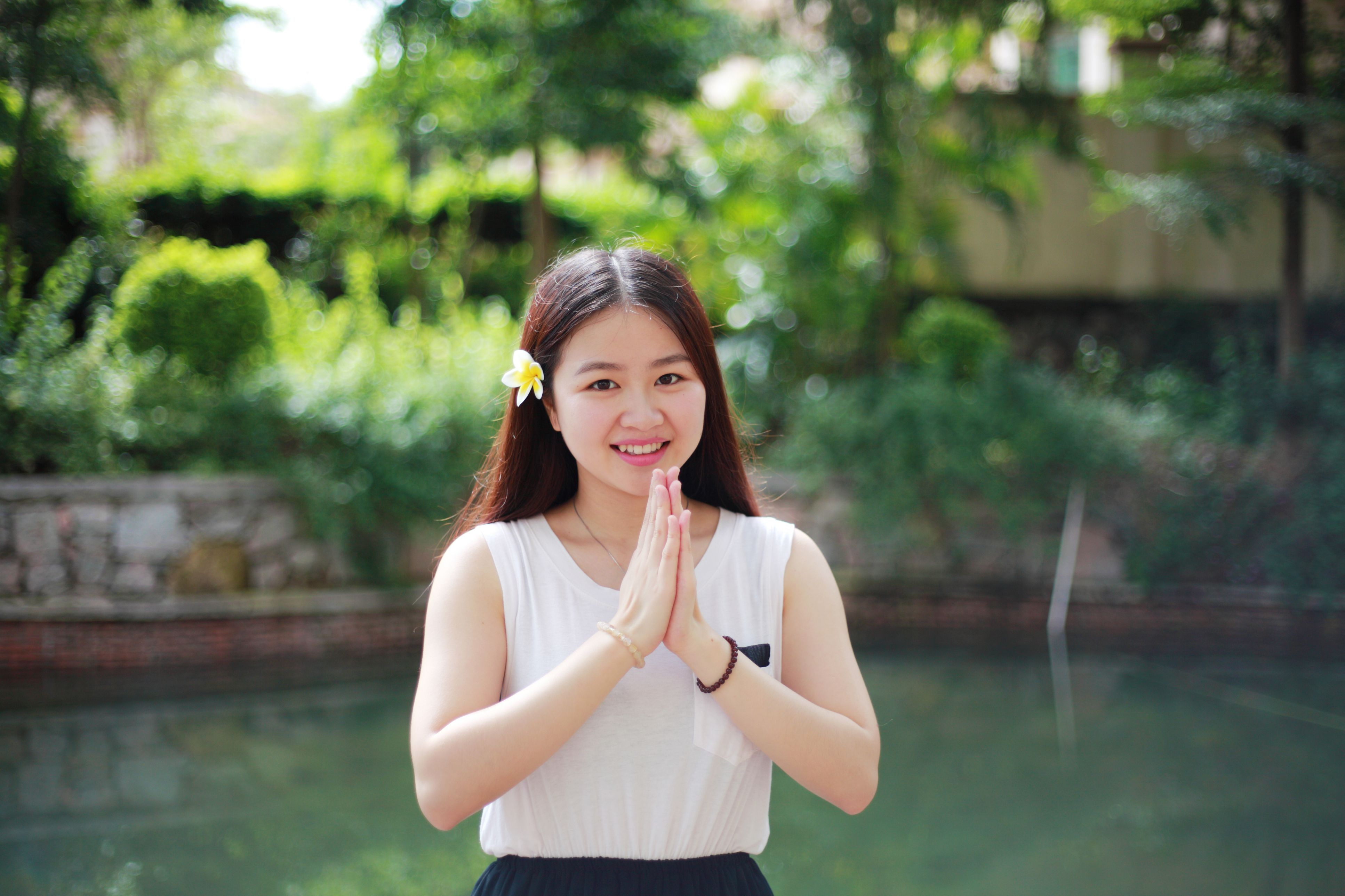 How To Say Hello In Thai Greetings And The Wai