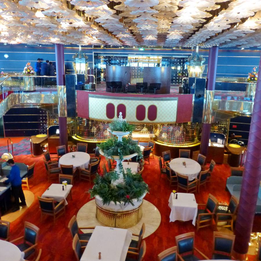 Rotterdam Dining Room on the ms Maasdam cruise ship of Holland America Line