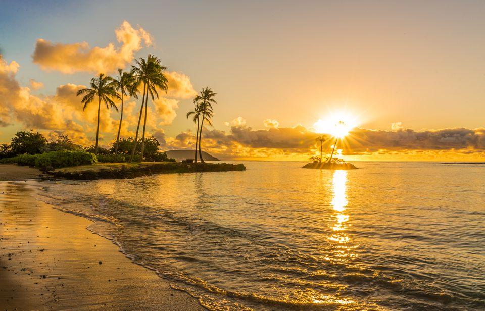 Golden sunset over Honolulu, Hawaii