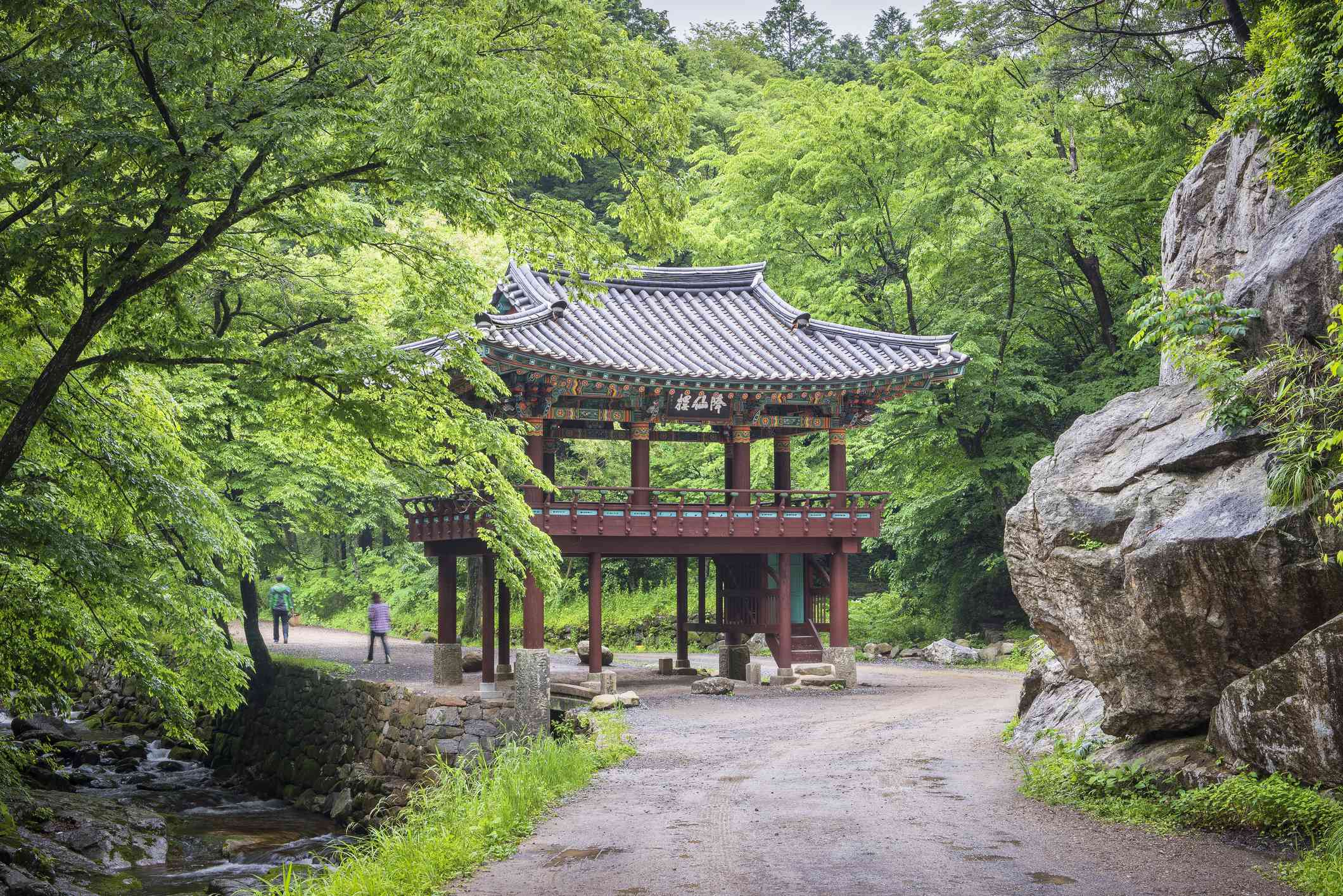 Entry gate and pathway to Seonamsa Temple surrounded by greenery