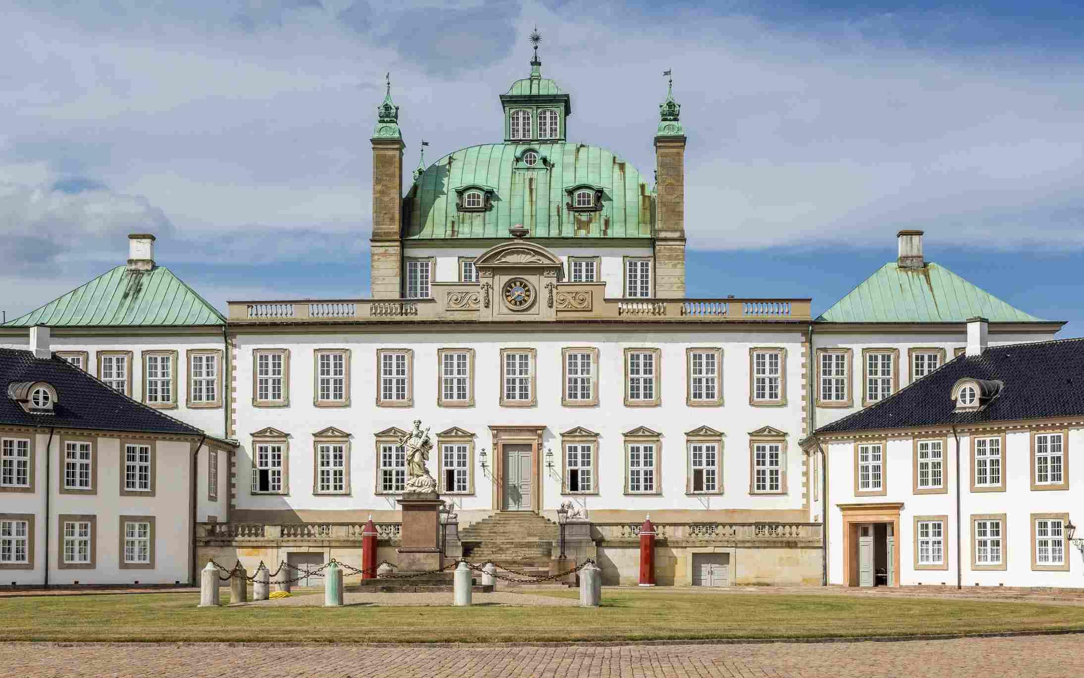 Fredensborg Palace, Fredensborg, Zealand, Denmark, Europe