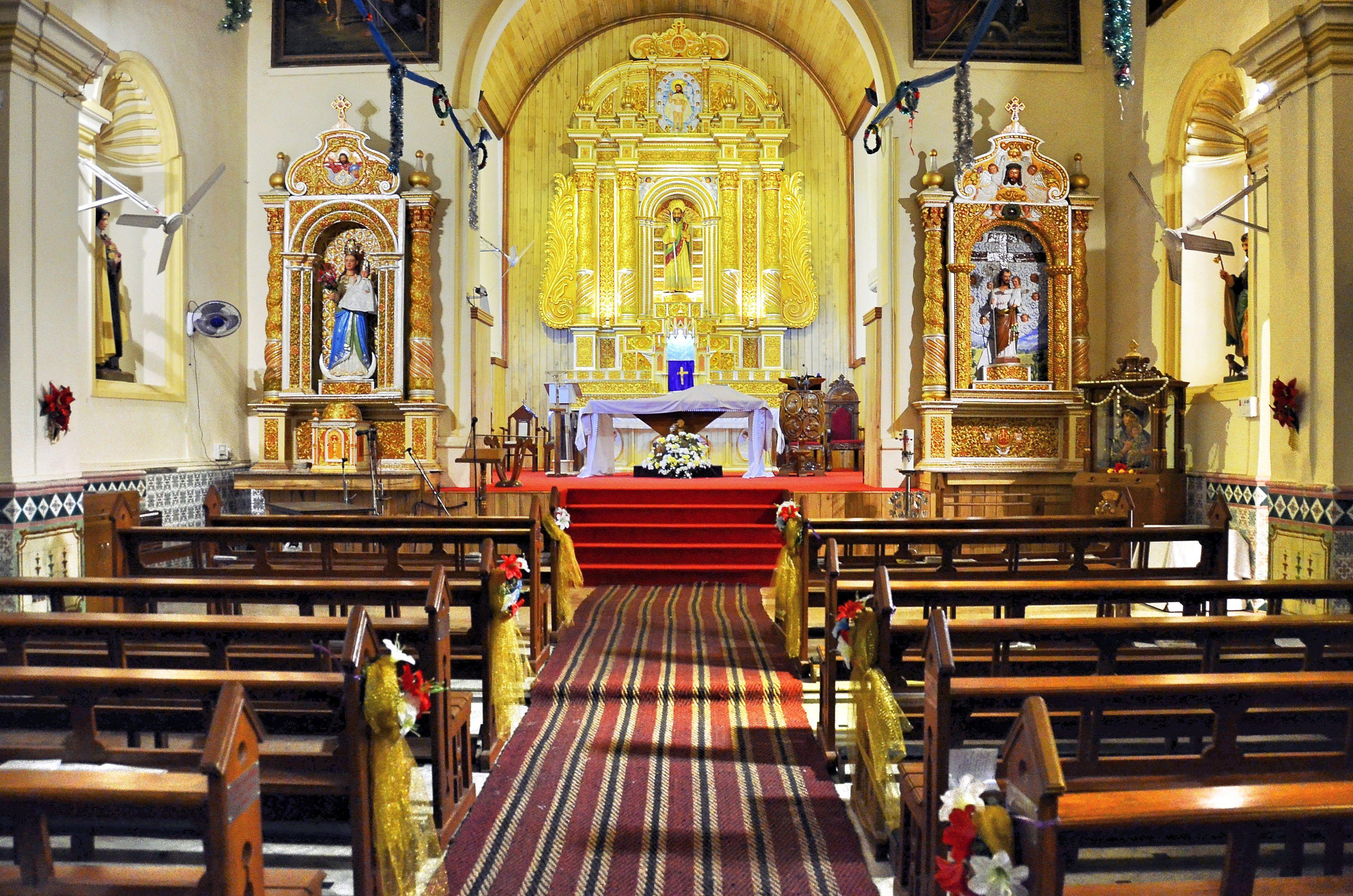 Inside Saint Thomas's church.